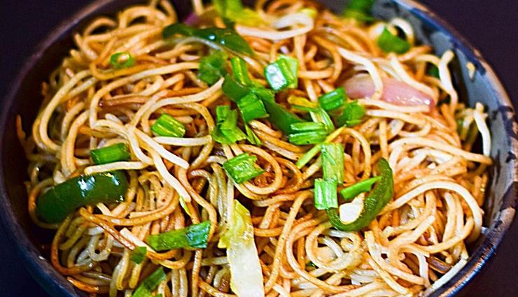 veg hakka noodles,veg hakka noodles recipe,hunger struck,food,easy recipes