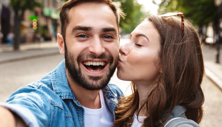 things that couples do in happy relationship,happy relationship tips,couple tips,relationship tips