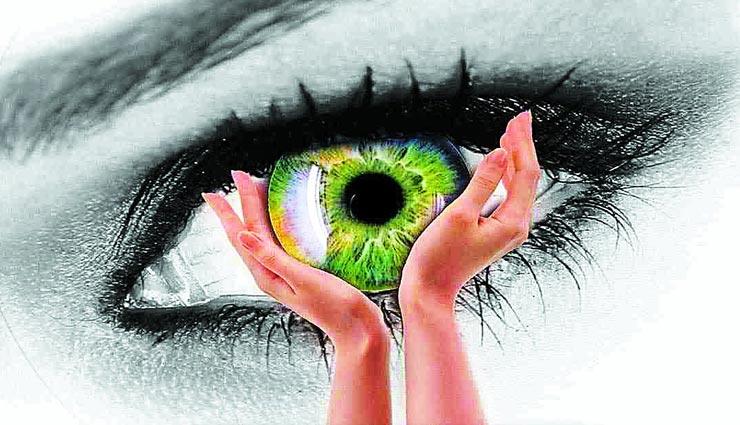 बनाए रखना चाहते हैं अपनी आंखों की सेहत, ना होने दें इन 5 पोषक तत्वों की कमी