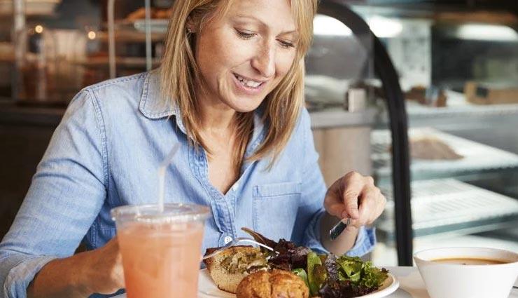 महिलाएं रखें अपनी सेहत का ख्याल, इन 5 आहार से मिलेगा भरपूर पोषण