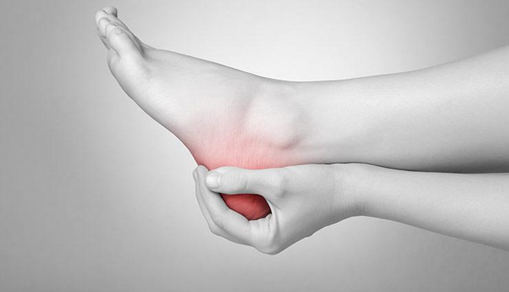 heel pain,home remedy for heel pain,heel pain cure,gharelu nuskhe,home tips,lifestyle,health care,healty life,Health tips,heel pain in hindi,Health,health tips in hindi ,एड़ियों के दर्द से राहत
