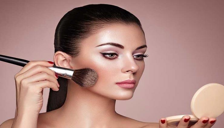beauty tips,beauty tips in hindi,highlighter according to skin tone,makeup tips ,ब्यूटी टिप्स, ब्यूटी टिप्स हिंदी में, मेकअप टिप्स, हाईलाइटर का चुनाव, स्किन टोन के अनुसार हाईलाइटर