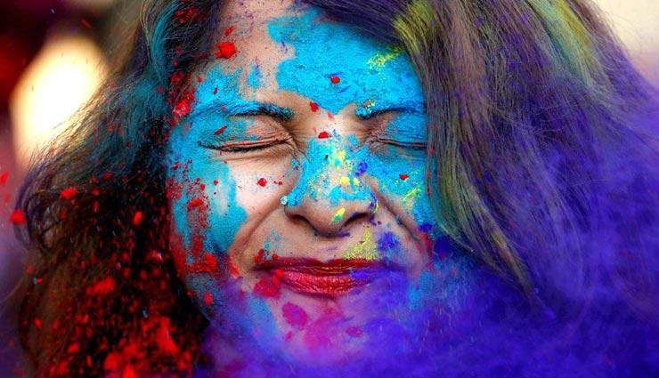 beauty tips,beauty tips in hindi,remove holi colour,skincare tips ,ब्यूटी टिप्स, ब्यूटी टिप्स हिंदी में, होली के रंग, त्वचा की देखभाल