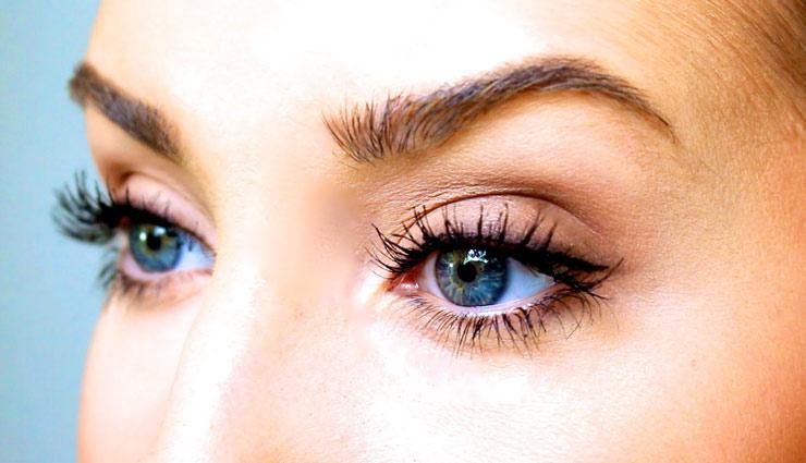 आपकी पलकें बनाती हैं आँखों को आकर्षक, जानें कैसे बनाए इन्हें घना