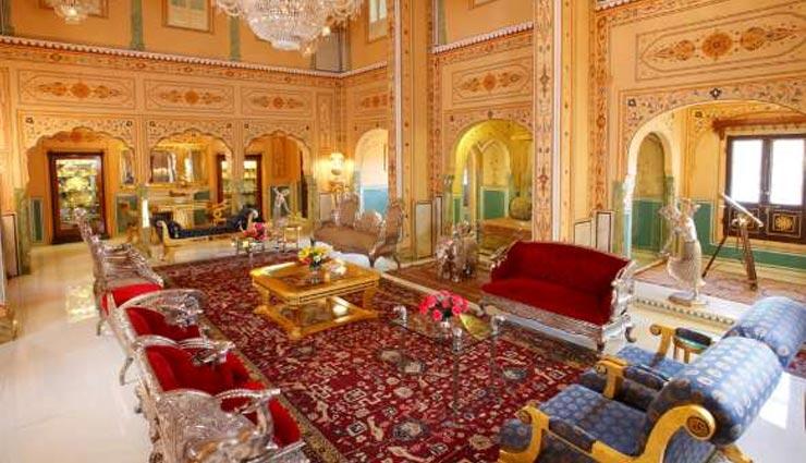 होटल जहां लगे है सोने और चांदी के बेड और नल, एक दिन का किराया 10 लाख रुपए