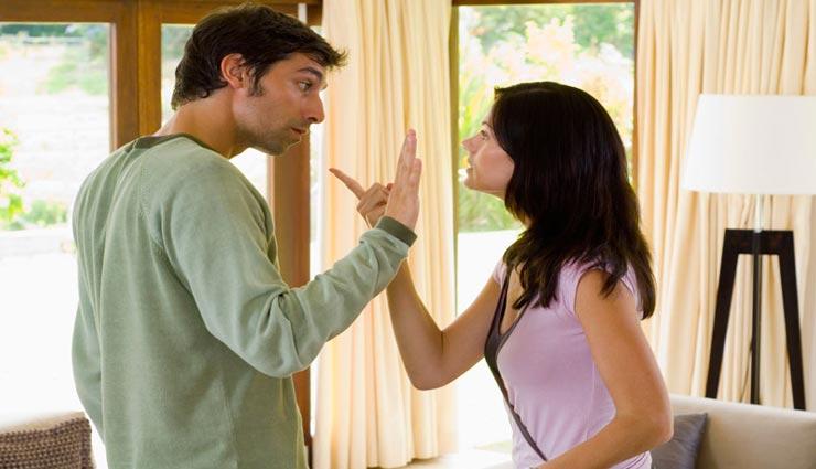 पति अपनाते है पत्नियों की शॉपिंग से बचने के ये फिक्स बहाने, जानें और महसूस करें कौनसा हुआ आपके साथ