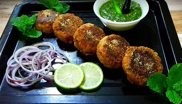 Recipe To Make Hyderabadi Shikampuri Kebabs