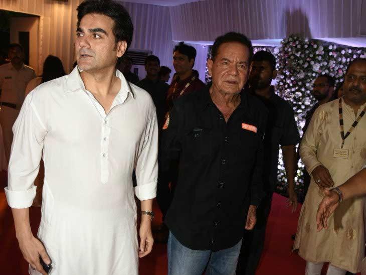 Salman Khan,baba siddiqui iftaar party,bollywood,ramdan,ramdan 2018,ramzan ,पॉलिटिशियन बाबा सिद्दीकी,इफ्तार पार्टी,रमजान,रमदान