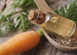 3 Benefits of Carrot Seed Essential Oil