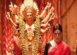 Akshay Kumar reveals his saree-clad avatar from Laxmmi Bomb on the occasion of Navratri