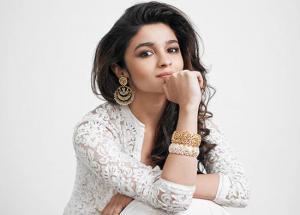 Alia Bhatt Denid To Work With Her Best Friend