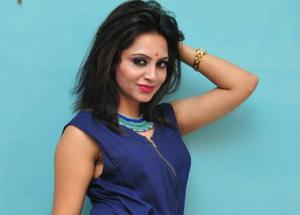 Bigg Boss 11- Arshi Khan is Ready To Make Her TV Debut