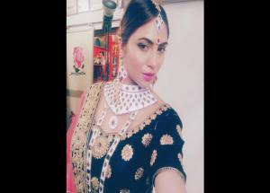 PICS- Ex BB 11 Contestant Arshi Khan Latest Bridal Photoshoot is Amazing-Photo Gallery