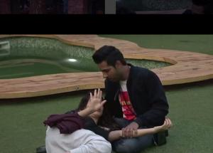 VIDEO Bigg Boss 11- Bandagi and Puneesh Officially Break Up in The House, Here is a Proof
