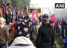 Bharat Bandh: Left Front unions block roads, railways across West Bengal