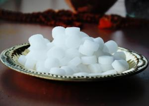 Want To Keep Your Planet and Home Free of Obstacles? Try These Camphor(Kapoor) Remedies