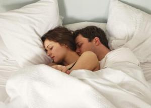 रात को सोते समय हर पति-पत्नी को ध्यान में रखनी चाहिए ये बातें