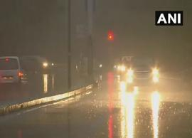 Delhi-NCR receives light rains on morning, air quality remains 'poor'