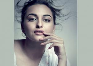 Elle Cover Girl Sonakshi Sinha Amazing Looks