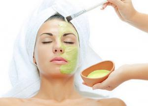 Try These 5 Face Packs To Get Glowing Skin in Winters