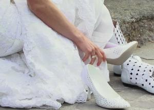 Type of Footwear Bride To Be Should Avoid For Her Big Day