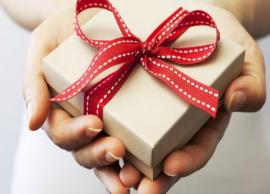 दुल्हन को दिया उपहार मेहमान ने माँगा वापस, कारण जानकर आप भी नहीं रोक पाएँगे अपनी हँसी