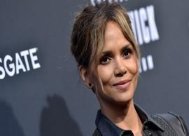 PICS- 53-year-old Halle Berry's sexy abs of steel is making the internet very jealous