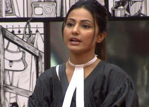 Bigg Boss 11- The Show is Fixed, Hina Khan Speaks Out