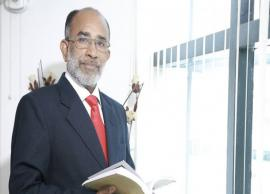 KJ Alphons faces flak for 'selfie' with coffin of braveheart