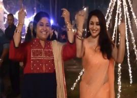 VIDEO- Madhuri Dixit, Renuka Shahane recreate 'Hum Aapke Hain Koun'