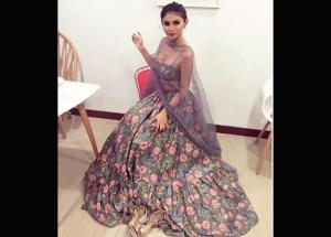 Mouni Roy is Back To Beat Monday Blues in a Traditional Avatar