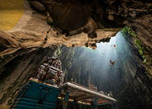5 Oldest and Mysterious Caves Around The World