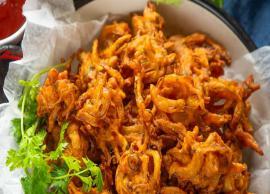 Recipe- Crispy Baked Onioin Pakora are a Healthier Alternative For Monsoon Snack