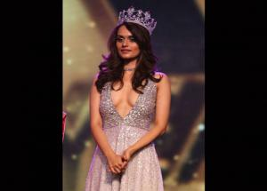 5 Outfits Trends By Miss World 2017 Manushi Chhillar