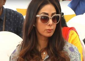 श्रीदेवी का चेहरा हुआ खराब, लिप सर्जरी के बाद अब दिखती हैं ऐसी !-Photo Gallery