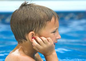 5 Home Remedies To Treat Swimmer's Ear