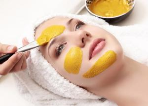 4 Turmeric Face Packs For Glowing Skin in Winters