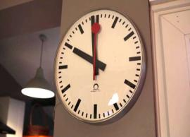 9 Vastu Tips To Follow and To Avoid For Wall Clock