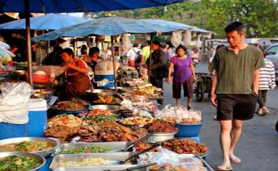 5 Best Places to Enjoy Street Food
