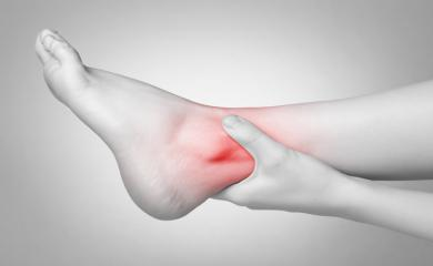 Suffering from Ankle Pain, Try Out These Natural Tips To