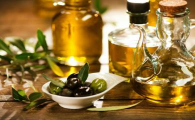 5 Amazing Beauty Benefits of Olive Oil in Winters