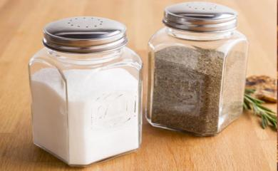 Salt and Black Pepper Together are Very Healthy For your