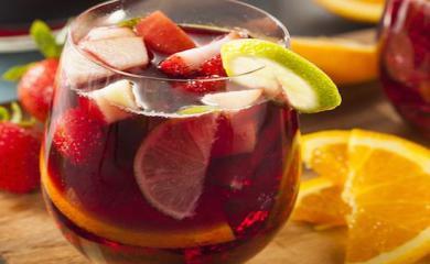 Recipe Deliciously Boozy Fall Apple Cider Sangria