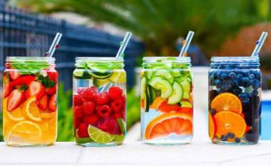 5 Detox Waters To Help You Loose Weight