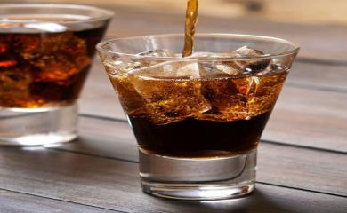 4 Benefits of Drinking Brandy in Winters