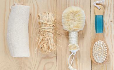 5 Beauty Benefits of Dry Brushing