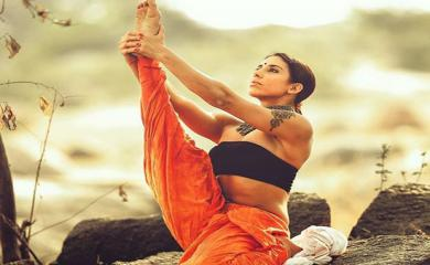 5 Hottest Yoga Trainers Who Have More Followers Than any