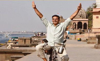 Finally, 'Padman's new track 'Saale Sapne' is out!