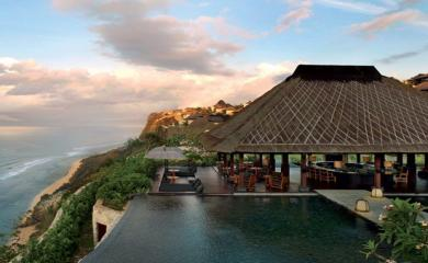 5 Resorts Whose View Will Give You Chills