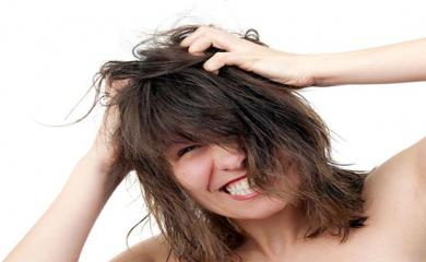 Scratch Your Scalp Too Often, Try These Tips To Treat
